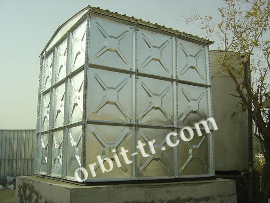 Modular prizmatic water tank